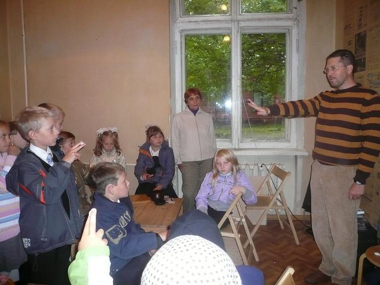 Igor Grishin, the President of The Go Federation, gave children the first Go lesson